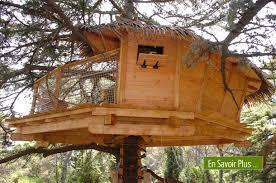 cabane dans les arbres avis Source : domaine de l'arbousier