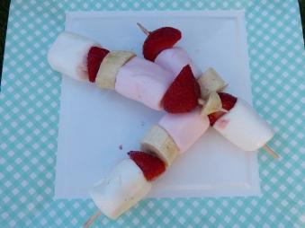 Brochettes de fruits idée pique nique