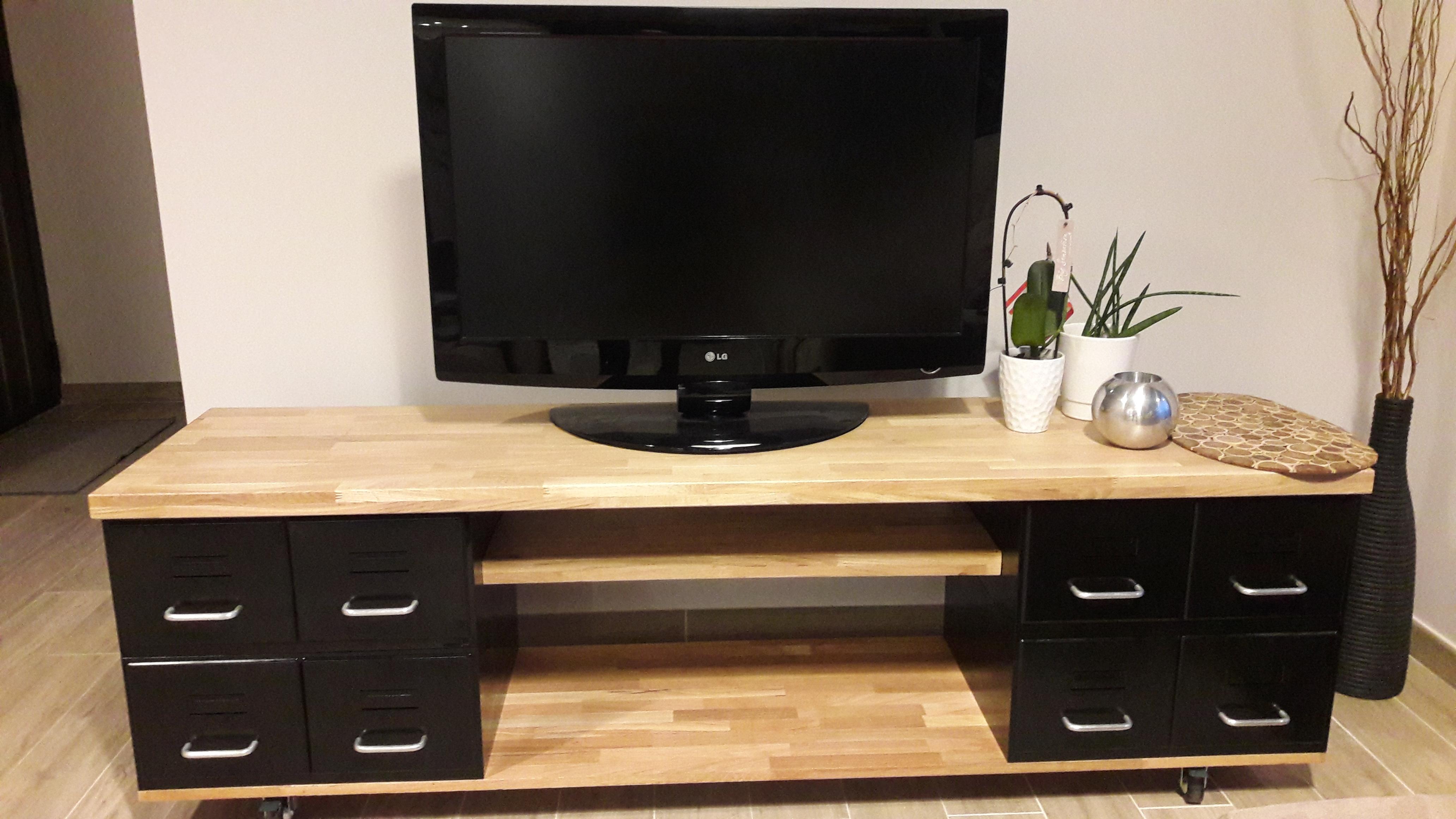 best meuble tv style industriel bois diy with construire un meuble en bois. Black Bedroom Furniture Sets. Home Design Ideas