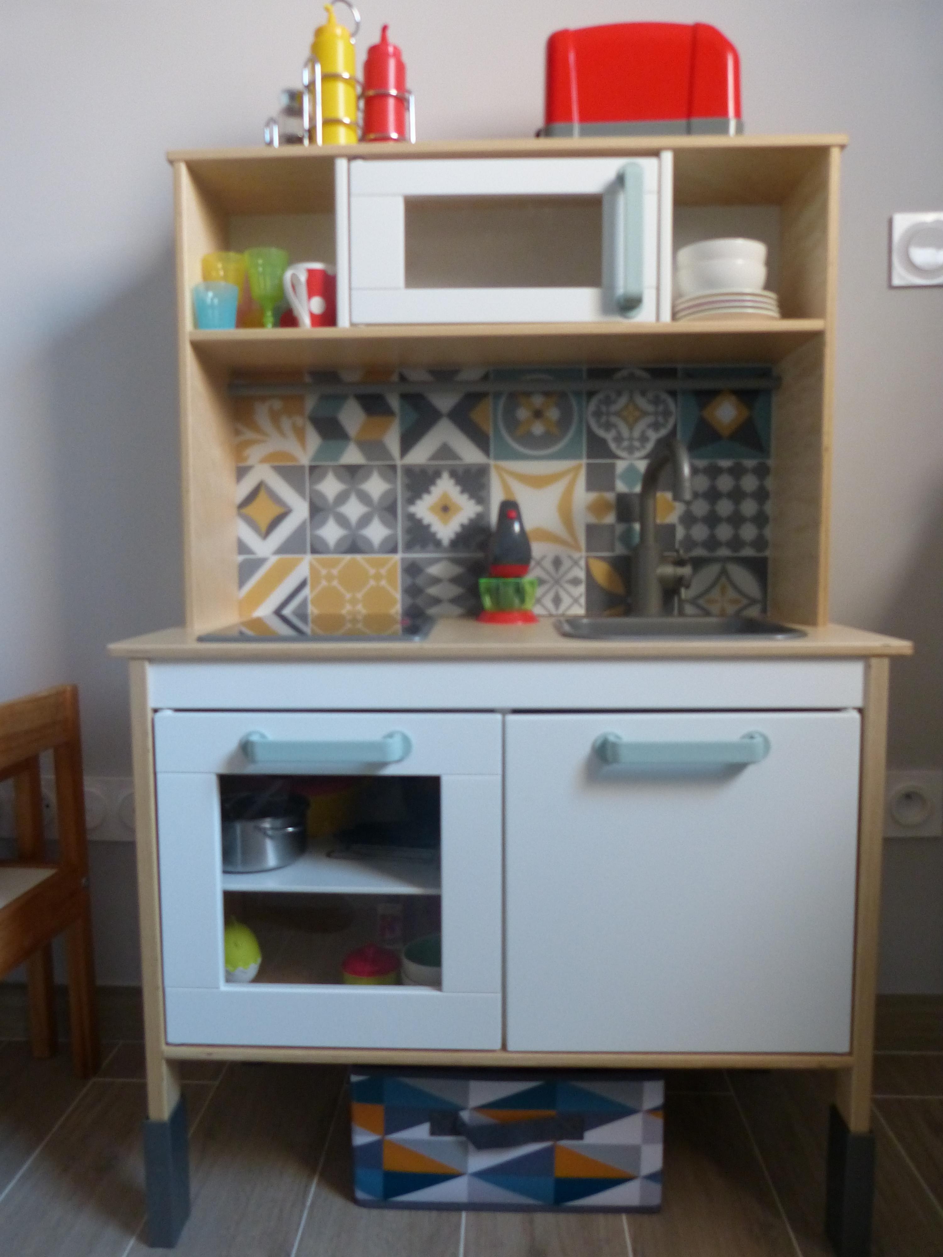 Planche En Bois Cuisine Ikea customiser ma cuisine en bois pour enfant ikea duktig
